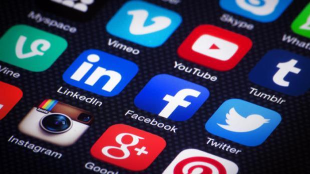 social-media-mobile-apps-ss-1920-100715555-large